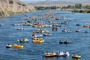 Mardi Gratta River Regatta, Laughlin
