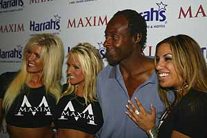 Jerry Rice and 3 starlets