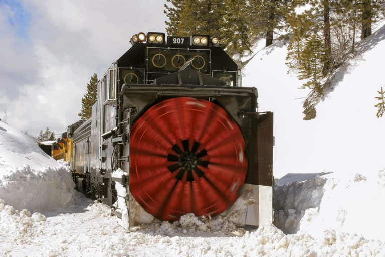 Snow Fighters Union Pacific Flanger