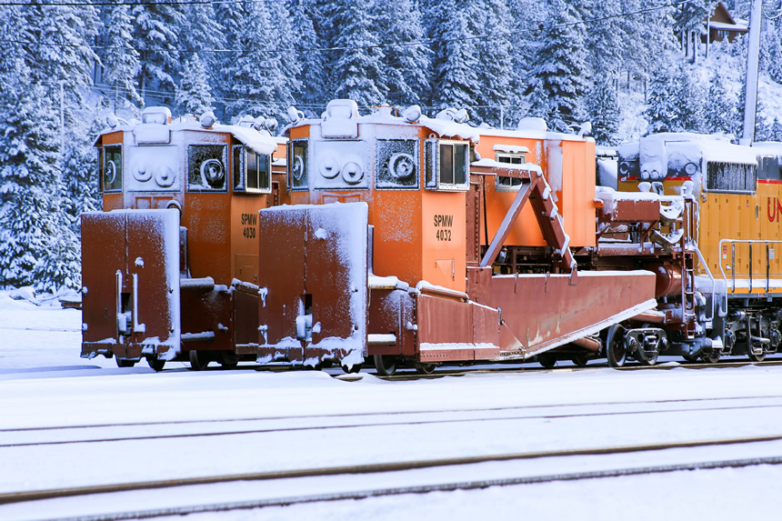 Union Pacific spreaders at Truckee