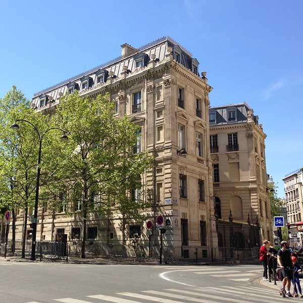 9 rue Tilsitt. Paris