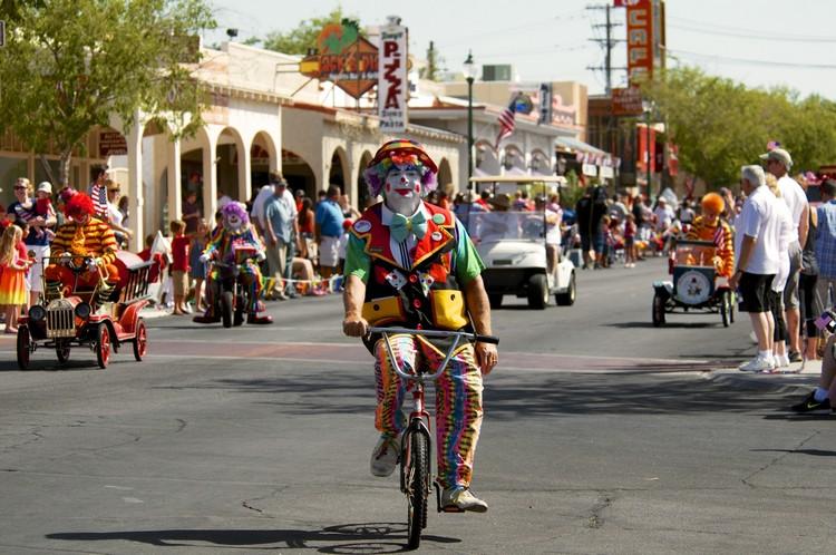 BC Damboree parade clowns