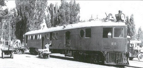V&T McKeen car No.22 being loaded with mail in the 1930s