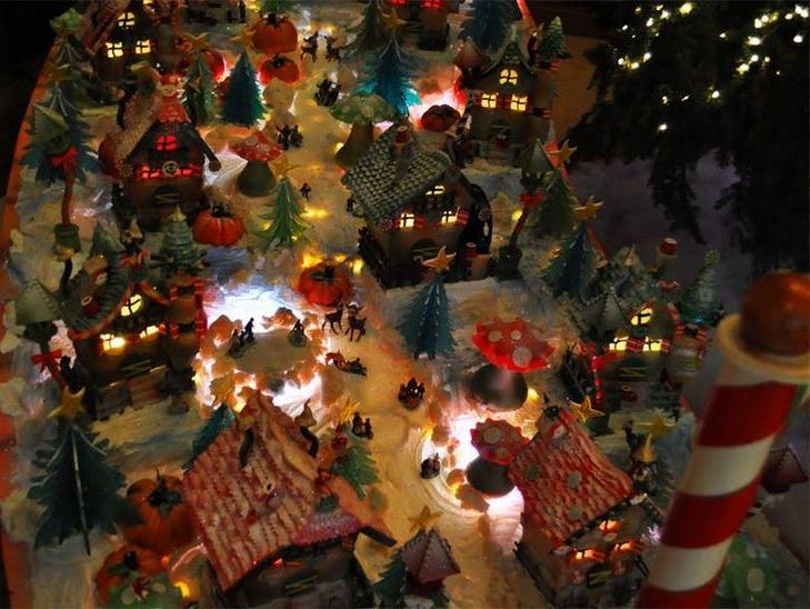A part of the Four Seasons Gingerbread House display