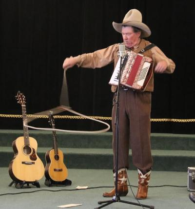 Sourdough Slim performing at the Sheepherders' Gathering