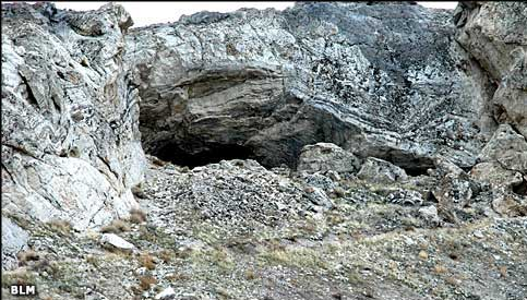 lovelock_cave463x275