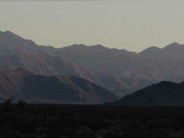 Before dawn south of Beatty on US 95