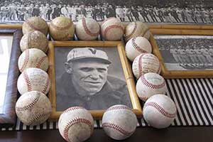 Wheezer Dell collection of signed baseballs